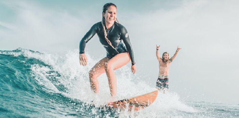 Marcas de surf para aprender con profesionales.
