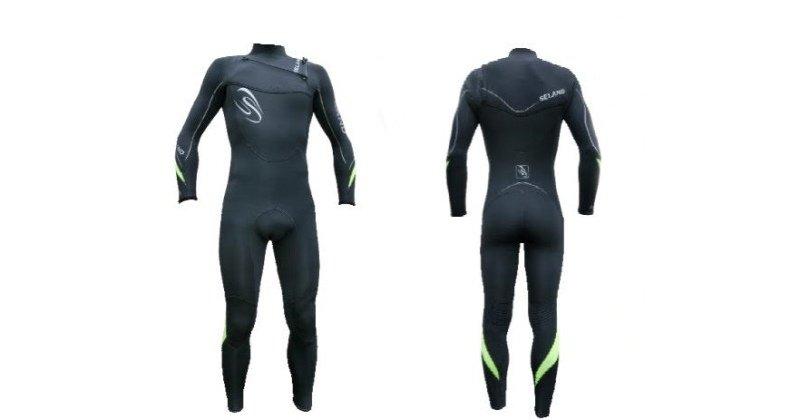 Hay amplia variedad de tallas de los trajes de neopreno para surf.