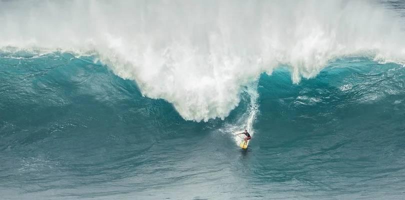 Es importante que conozcas los tipos de ola como surfista.